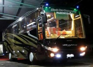 jasabuspariwisata-bus-pariwisata-bejeu-night