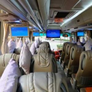 jasabuspariwisata-bus-pariwisata-luthansa-interior-medium