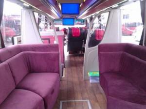 jasabuspariwisata-bus-pariwisata-manhattan-caravan-interior