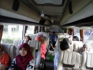 jasabuspariwisata-bus-pariwisata-nusa-indah-medium.-interior