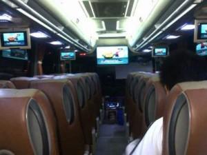 jasabuspariwisata-bus-pariwisata-saner-holidays-interior