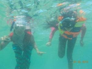 jasabuspariwisata-paket-wisata-pulau-tidung-snorkling