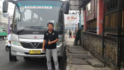 jasabuspariwisata-bus-aerotrans-medium-16-seat-rumah-makan-ma-uneh