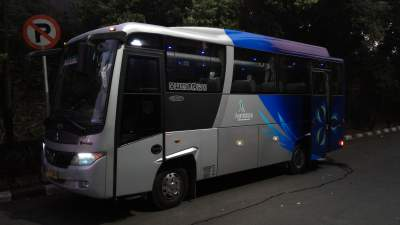 Bus Aerotrans Medium 16 seat – Perjalanan Wisata ke Bandung