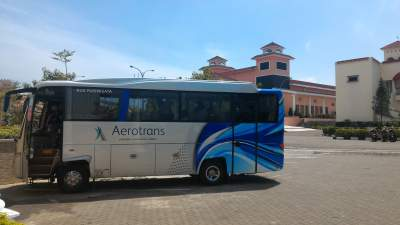 jasabuspariwisata-bus-aerotrans-medium-16-seat-the-radiant-hotel