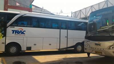 jasabuspariwisata-bus-trac-premium-class-batik-mahkota