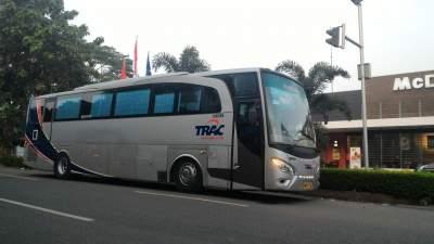 jasabuspariwisata-bus-trac-premium-class-jatiasih
