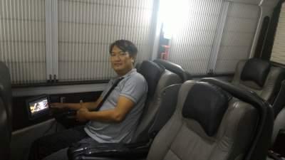 jasabuspariwisata-bus-trac-premium-class-saya