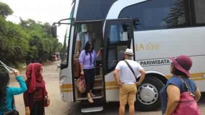 jasabuspariwisata-bus-weha-one-dusun-bambu