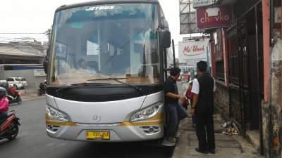 jasabuspariwisata-bus-weha-one-rumah-makan-ma-uneh