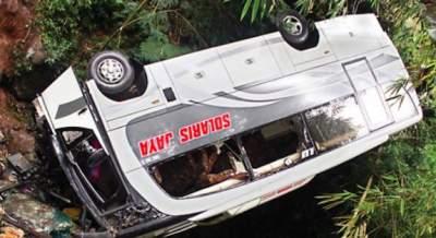jasabuspariwisata-kecelakaan-maut-bus-pariwisata-di-tawangmangu