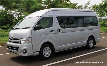 jasabuspariwisata-liburan-dengan-mobil-toyota-commuter -hiace-dari-ajb-tour-and-trans