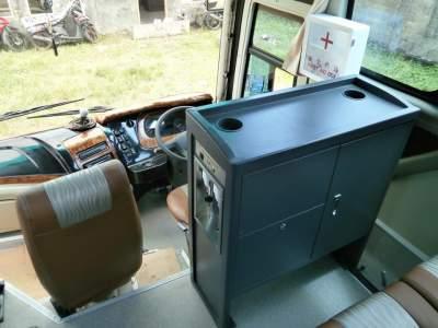 jasabuspariwisata-beberapa-bus-pariwisata-yang-menyediakan-dispenser