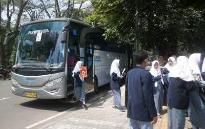 jasabuspariwisata-museum-geologi-bandung-memberikan-pengalaman-wisata-sejarah-menyenangkan-bus-pariwisata