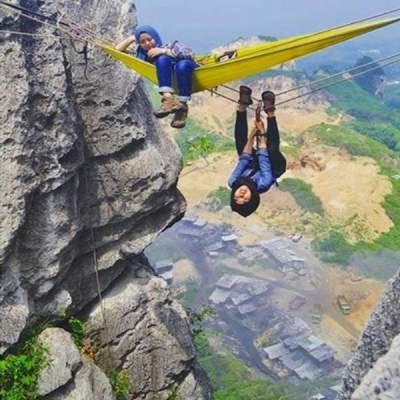 jasabuspariwisata-nikmati-wisata-ekstrim-di-tebing-citatah-dengan-bus-pariwisata-4