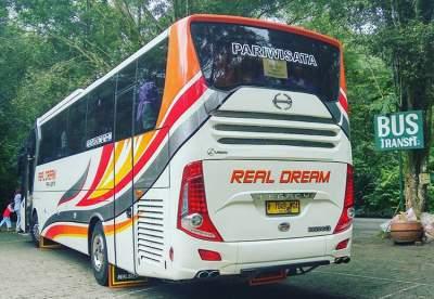 jasabuspariwisata-berkunjung-ke-taman-safari-indonesia-bus-real-dream
