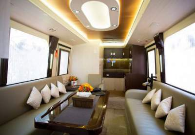jasabuspariwisata-bus-pariwisata-luxury-big-bird