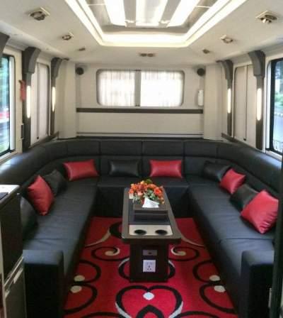 jasabuspariwisata-bus-pariwisata-luxury-manhattan