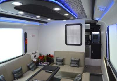 jasabuspariwisata-bus-pariwisata-luxury-trac