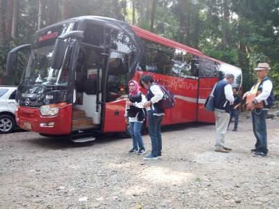 jasabuspariwisata-bus-pariwisata-manhattan-premium-class-rombongan