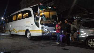 jasabuspariwisata-libur-lebaran-ke-malang-dengan-bus-premium-luxury-white-horse-weha-one