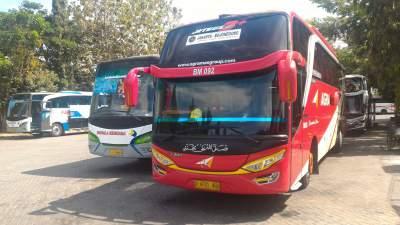 jasabuspariwisata-perjalanan-dengan-kereta-api-sembrani-dan-bus-agra-mas-bojonegoro
