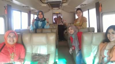 jasabuspariwisata-perjalanan-ke-bandung-bus-premium-luxurious-weha-one-klien