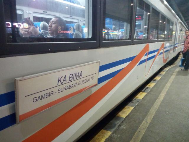 jasabuspariwisata-perjalanan-ke-malang-dengan-kereta-api-bima-dan-bus-gunung-harta-kereta-bima