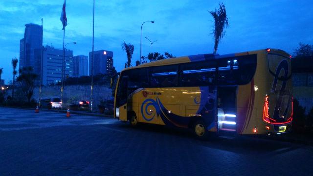 jasabuspariwisata-sewa-bus-pariwisata-cilandak-bus-siena-wisata