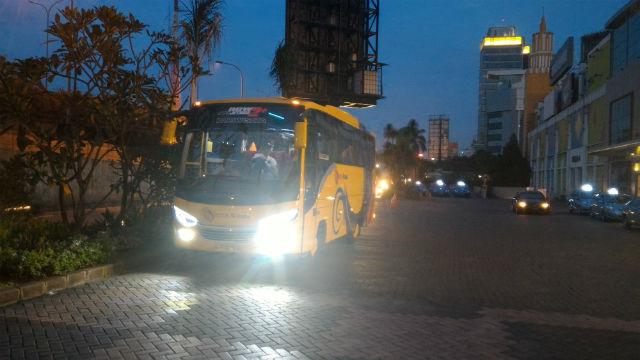jasabuspariwisata-sewa-bus-pariwisata-cilandak-town-square