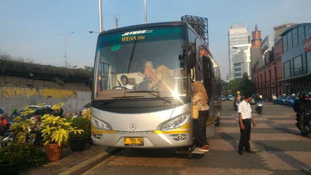 jasabuspariwisata-sewa-bus-pariwisata-cilandak