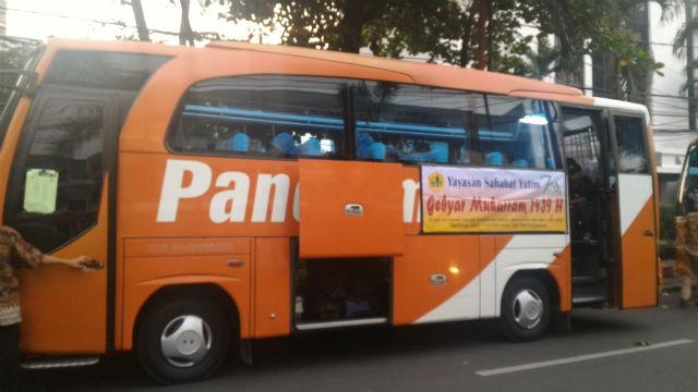 jasabuspariwisata-sewa-bus-pariwisata-mampang-prapatan-klien