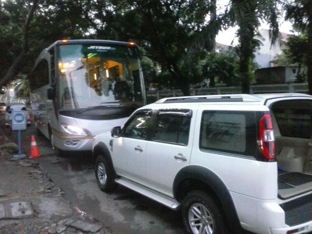 Sewa Bus Pariwisata Pondok Indah