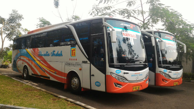 jasabuspariwisata-sewa-bus-pariwisata-rosalia-indah-jakarta-unit