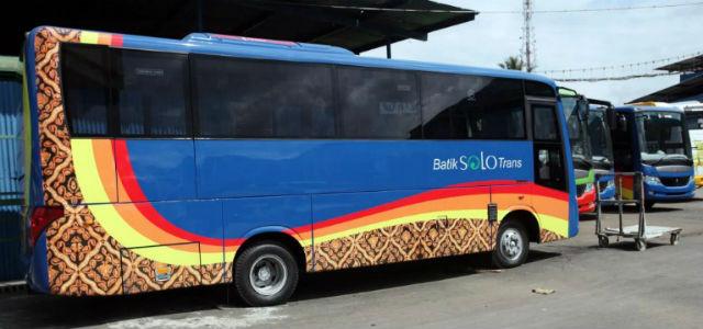 jasabuspariwisata-gara-gara-bus-bst-koridor-I-dijadikan-bus-pariwisata-wali-kota-marah